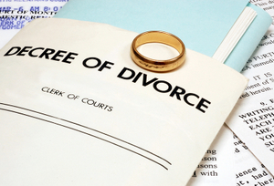 DIVORCE- © Stephen Vanhorn | Dreamstime.com