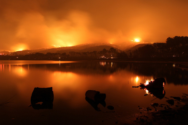 POWERHOUSE FIRE NEAR LAKE HUGHES © David McNew/Getty Images